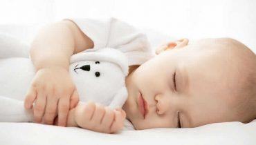 مقدار لازم خواب برای نوزاد تا سنین کودکی